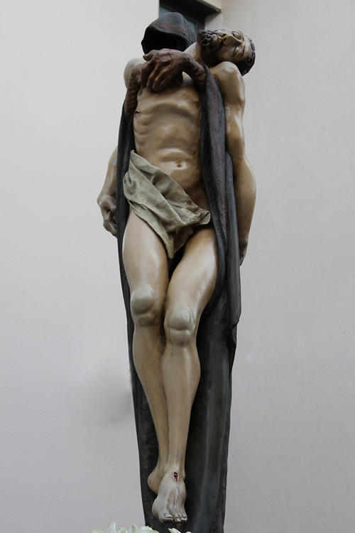 Cristo en brazos de la muerte
